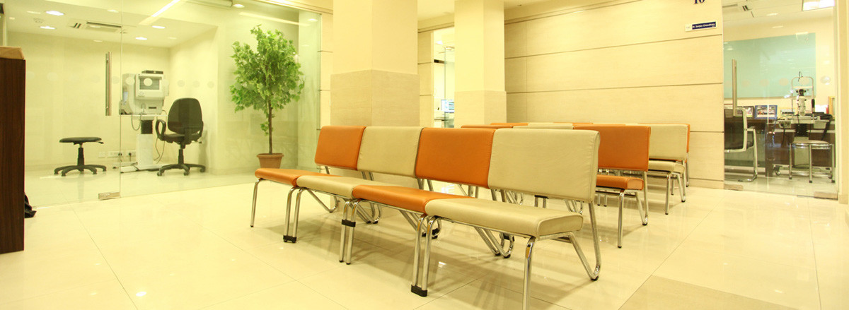 waiting room in a Lasik Eye Surgery in South Delhi